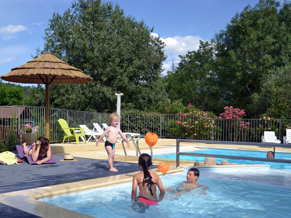 Les activit s au camping rivi re piscine cano jeux for Piscine 05